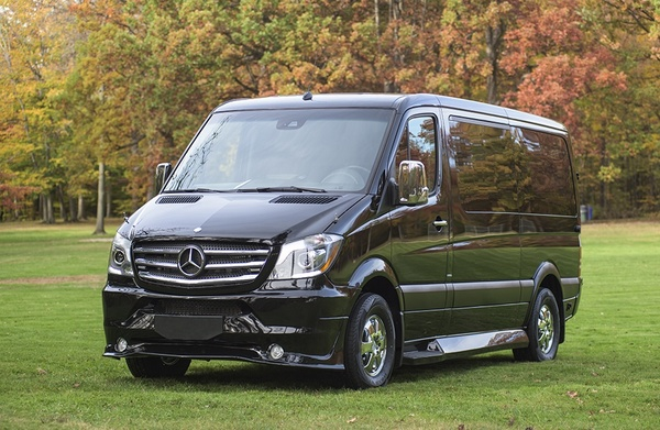 Mercedes Executive Sprinter Has A Seating Capacity Of Up To 14 Pengers It S Perfect For Corporate Travel Meetings And Events Tours Wedding Shuttles